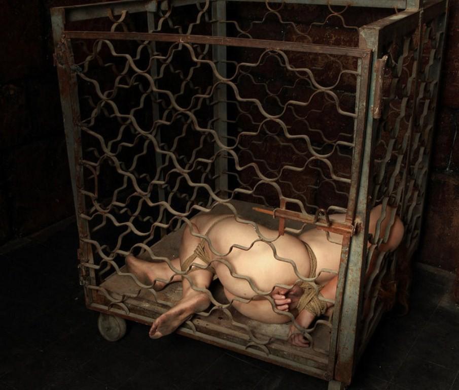 人身売買にかけられる前の女たちをご覧下さい(画像あり)・27枚目