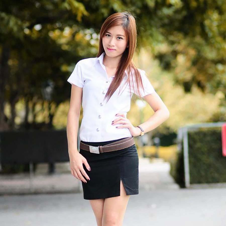 【画像あり】タイの女子大生の制服、パンツくらい見えても平気です(`・д・´)キリッ・6枚目