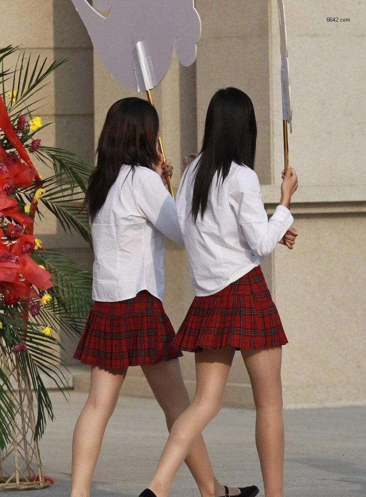 【※有能】タイトミニの制服がエロい韓国JKがぐうシコwwwwwwwwwwwwww(画像あり)・1枚目