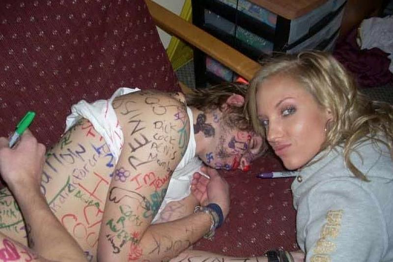 酔いつぶれた女をヤってSNSに投稿するヤツ。。。マジキチだろwwwwwwwwww(画像あり)・15枚目