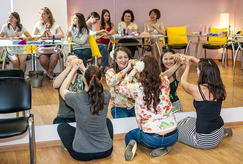 ロシアに実際にあるフェラチオ講座の光景がヤバすぎ(画像36枚)・2枚目