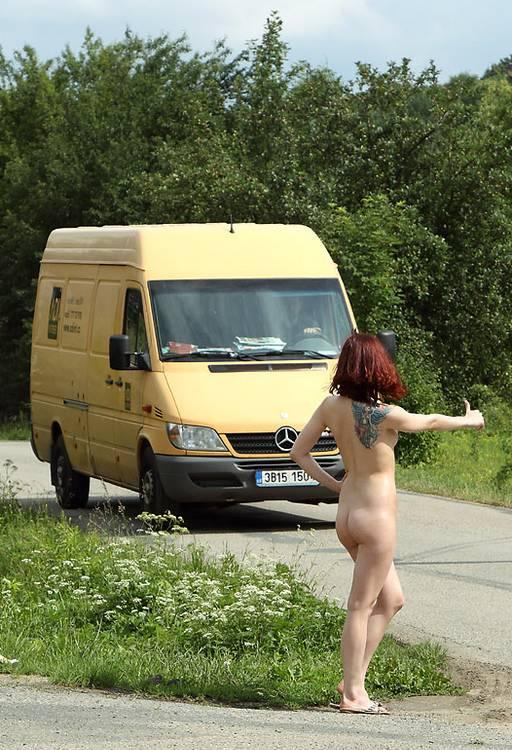 裸のヒッチハイカーに遭遇したんだが・・・おまいらどうする???・21枚目