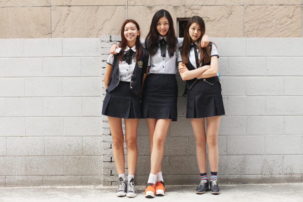 【※有能】タイトミニの制服がエロい韓国JKがぐうシコwwwwwwwwwwwwww(画像あり)・29枚目