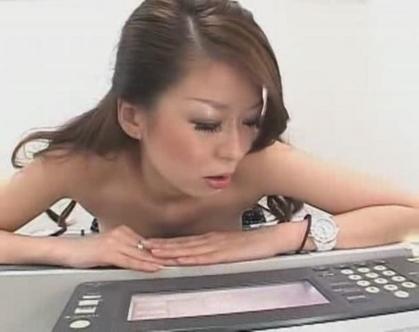 なんでもありだった時代の「いくらで胸のコピーを撮らせてくれますか?」素人企画番組を再現した結果wwww(※画像あり※)・3枚目