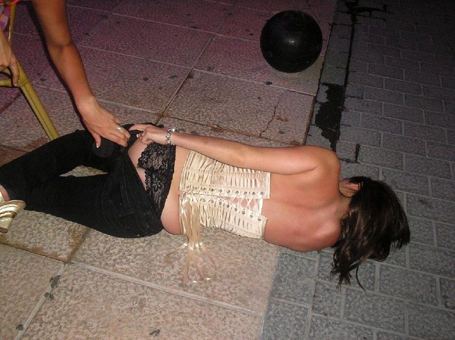 酔いつぶれた女をヤってSNSに投稿するヤツ。。。マジキチだろwwwwwwwwww(画像あり)・3枚目