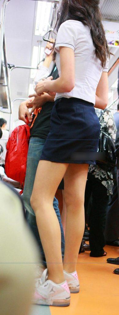 【※有能】タイトミニの制服がエロい韓国JKがぐうシコwwwwwwwwwwwwww(画像あり)・35枚目