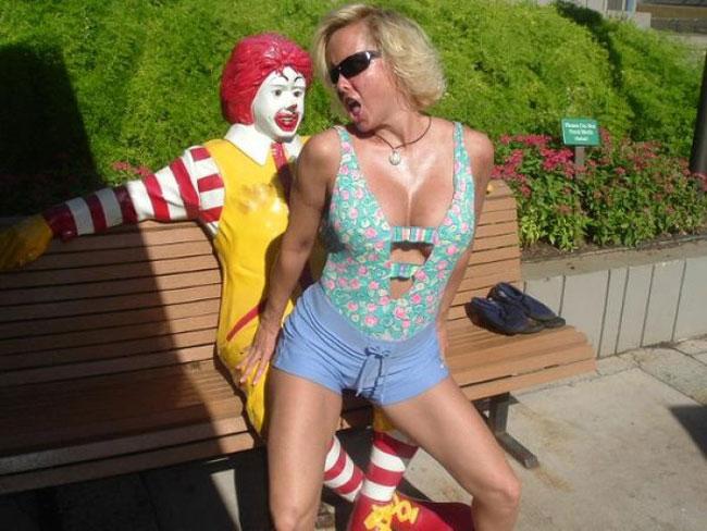世界的有名人ドナルドさんを弄ぶ女たちをご覧下さい。(画像あり)・6枚目
