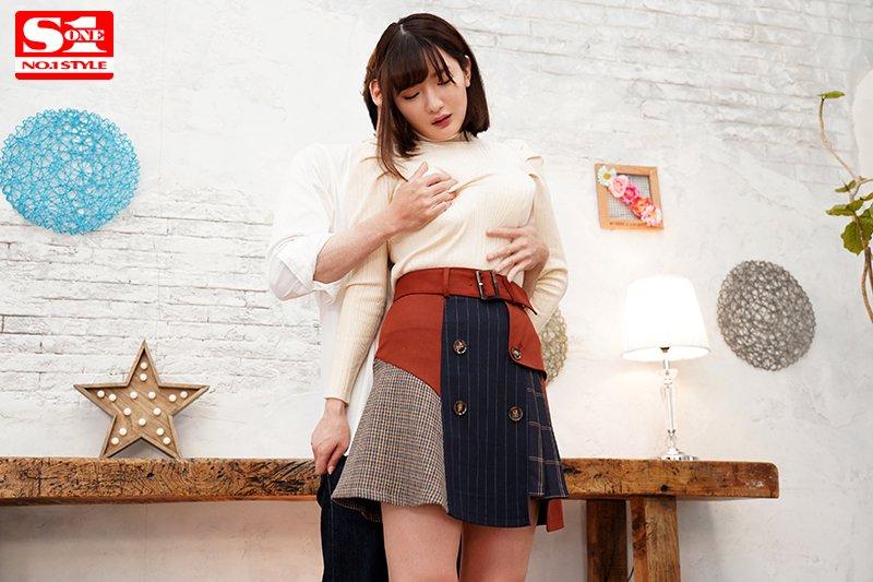 【※必見】「筧ジュン」とかいう新人AV女優さん、処女作で天然おっぱいを揉まれまくるwwwwww・2枚目