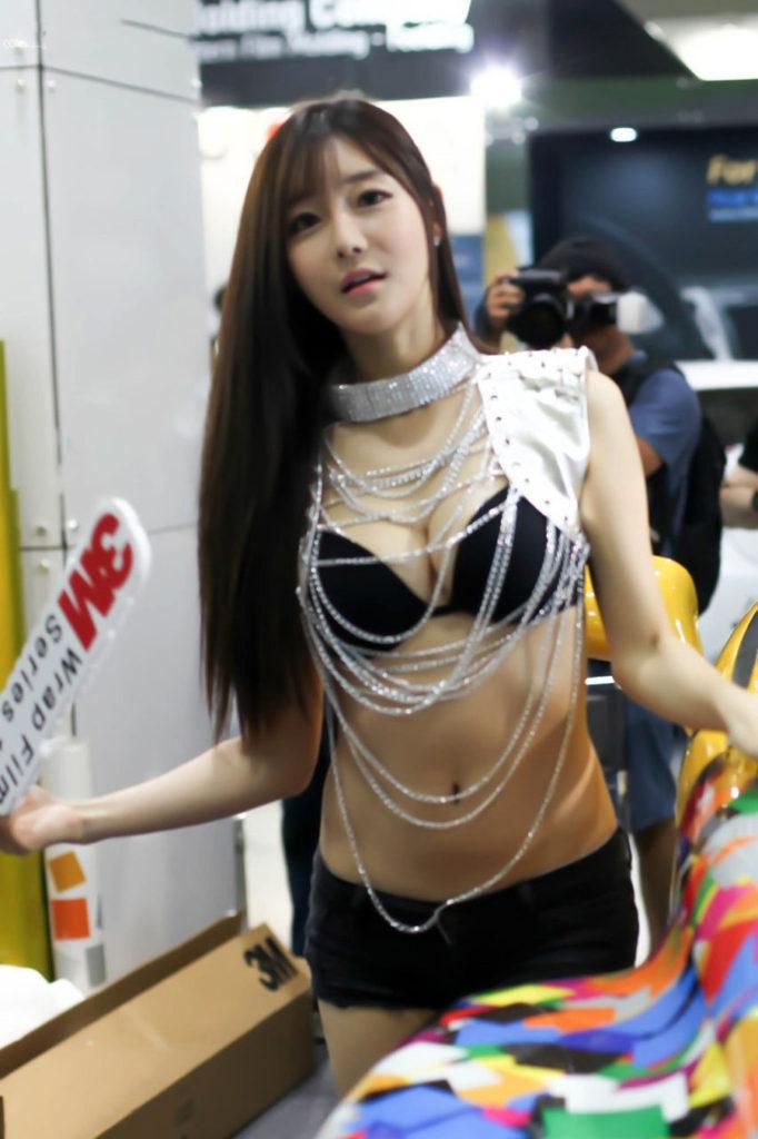 【※激写※】韓国の美人キャンギャル、ノーパン率が高かった模様・・・・・(画像あり)・21枚目