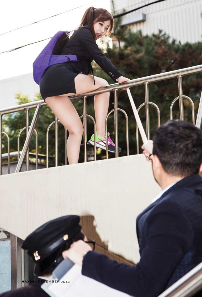 【勃起不可避】海外で凄いエロい制服の女子校が見つかる(画像あり)・22枚目