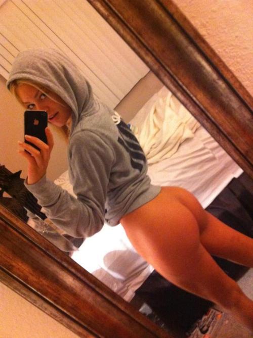 【※朗報※】尻トレで磨き上げた自慢の美尻をうpする女、オカズの宝庫な件wwwwwwwwwwwww・27枚目
