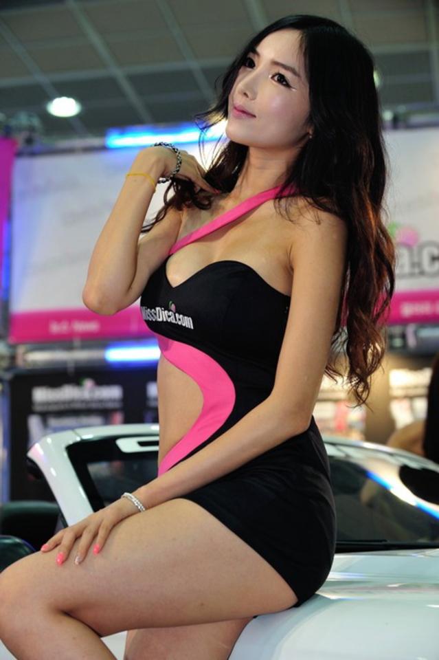 【※激写※】韓国の美人キャンギャル、ノーパン率が高かった模様・・・・・(画像あり)・3枚目