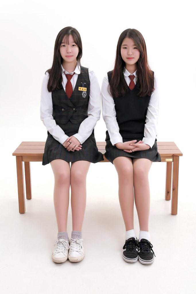 【勃起不可避】海外で凄いエロい制服の女子校が見つかる(画像あり)・31枚目