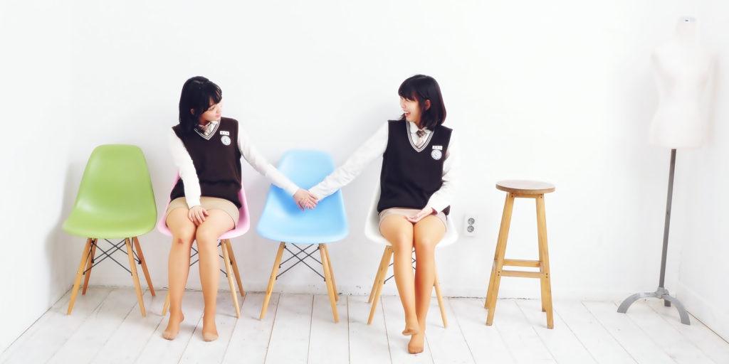 【勃起不可避】海外で凄いエロい制服の女子校が見つかる(画像あり)・33枚目