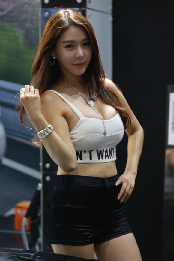 【※激写※】韓国の美人キャンギャル、ノーパン率が高かった模様・・・・・(画像あり)・4枚目