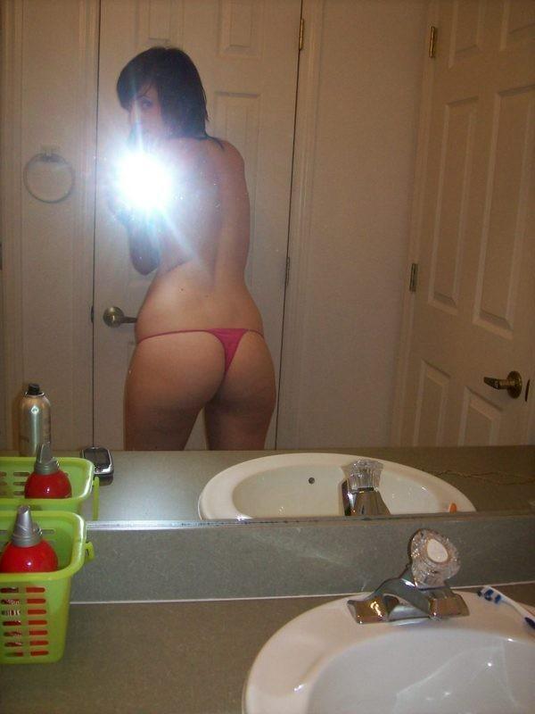【※朗報※】尻トレで磨き上げた自慢の美尻をうpする女、オカズの宝庫な件wwwwwwwwwwwww・48枚目