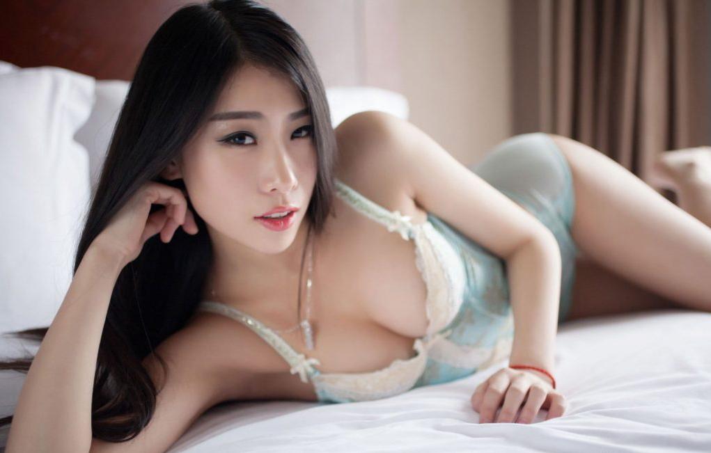 【画像】中国のモデル、ビーチク透けてるモデル乳首起ち過ぎ・・・(36枚)・9枚目