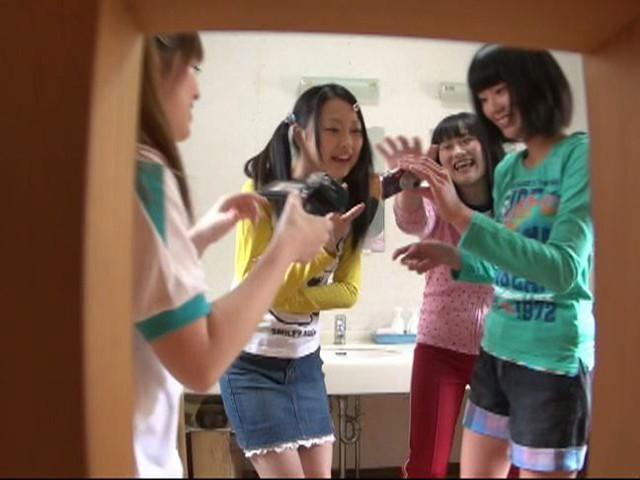【ガチ盗撮】修学旅行の女子学生、宿泊先でしっかり盗撮され拡散される・・・(画像あり)・27枚目