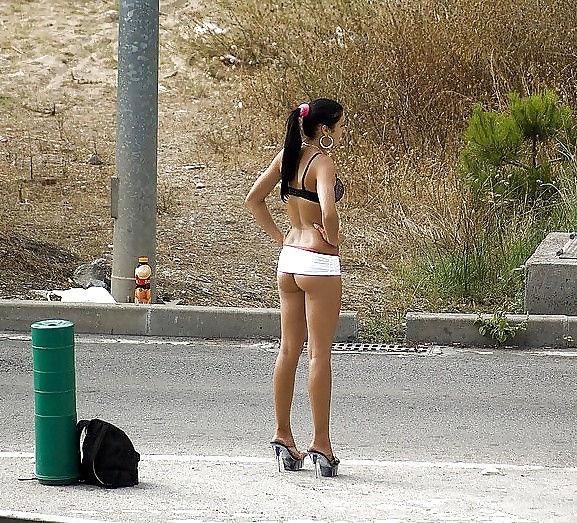 身体が絶品の売春街の女の子をご覧下さい。(※画像あり※)・11枚目