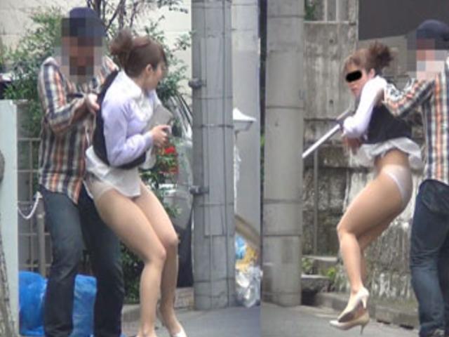 スカートの中を撮影しようとしてる変態男の巧妙な手口がこちら。(※画像あり)・12枚目