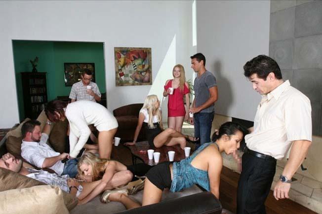 「SEXはみんなで楽しく」をモットーに開かれる乱交パーティをご覧下さいwww・15枚目