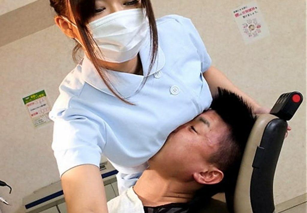 歯科衛生士のお姉さんを下から眺める絶景が神々しくて草wwwwwwwwwwwwwww(※画像あり)・18枚目