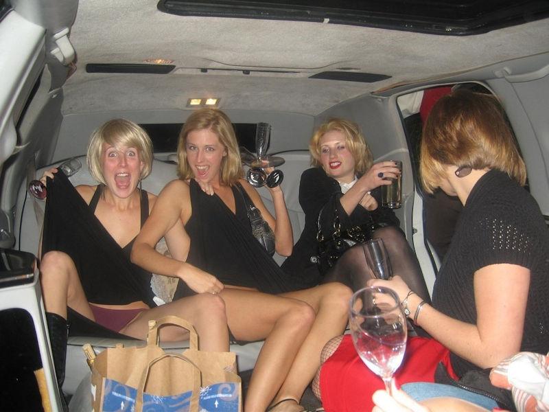 【ビッチ確定】素人さん、リムジン女子会で酔った勢いで豪快に脱ぐwwwwwwww(画像あり)・2枚目
