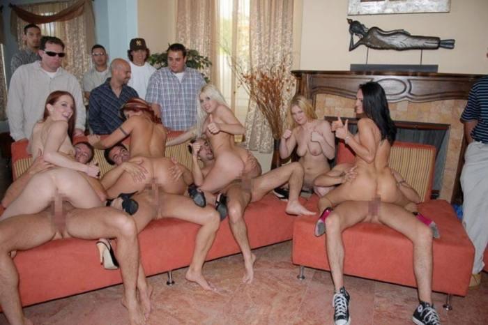 「SEXはみんなで楽しく」をモットーに開かれる乱交パーティをご覧下さいwww・26枚目