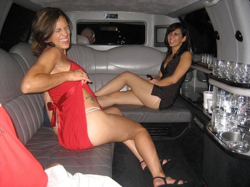 【ビッチ確定】素人さん、リムジン女子会で酔った勢いで豪快に脱ぐwwwwwwww(画像あり)・21枚目