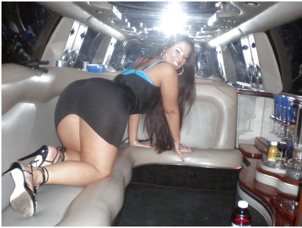 【ビッチ確定】素人さん、リムジン女子会で酔った勢いで豪快に脱ぐwwwwwwww(画像あり)・25枚目
