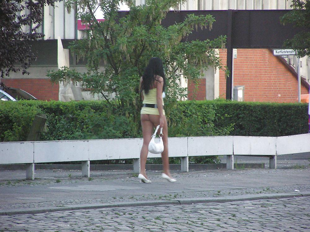 身体が絶品の売春街の女の子をご覧下さい。(※画像あり※)・32枚目