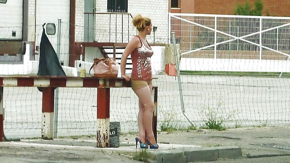 身体が絶品の売春街の女の子をご覧下さい。(※画像あり※)・38枚目