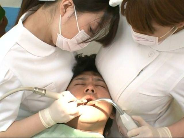 歯科衛生士のお姉さんを下から眺める絶景が神々しくて草wwwwwwwwwwwwwww(※画像あり)・8枚目