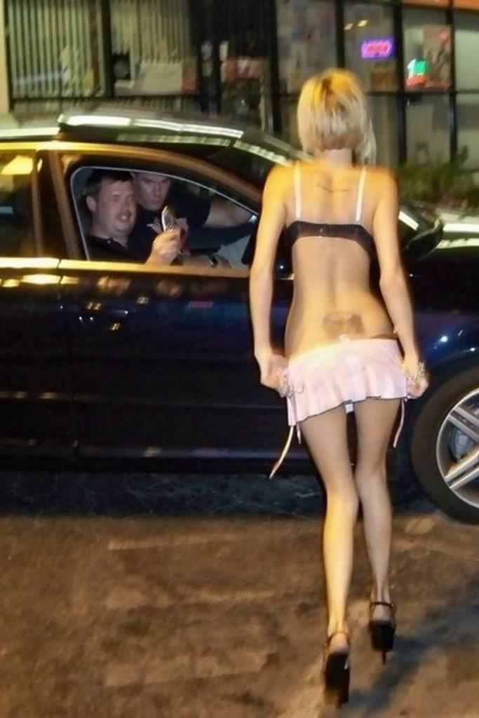 身体が絶品の売春街の女の子をご覧下さい。(※画像あり※)・8枚目
