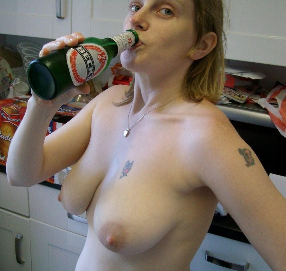 【※悲惨】酒一気飲みして男たちの餌食になってる女の子たち(画像あり)・27枚目