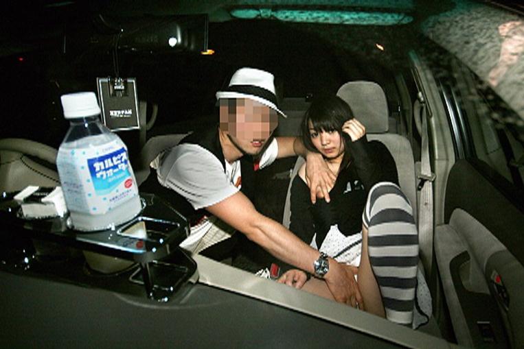 車内セックスしてる様子を撮った瞬間、車内パニック。(画像あり)・3枚目