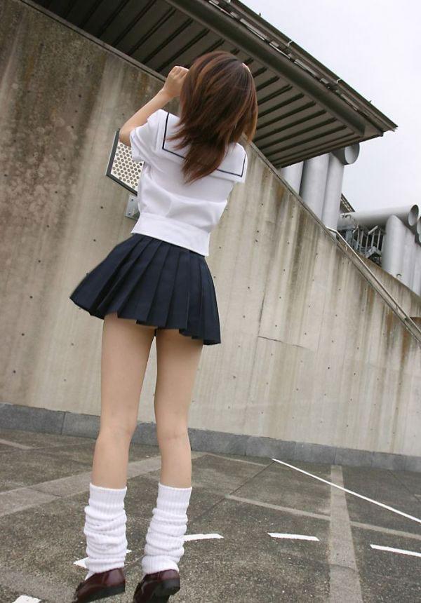【太もも】エロいJK女子のムッチムチな脚のエロ画像ください。(110枚)・109枚目