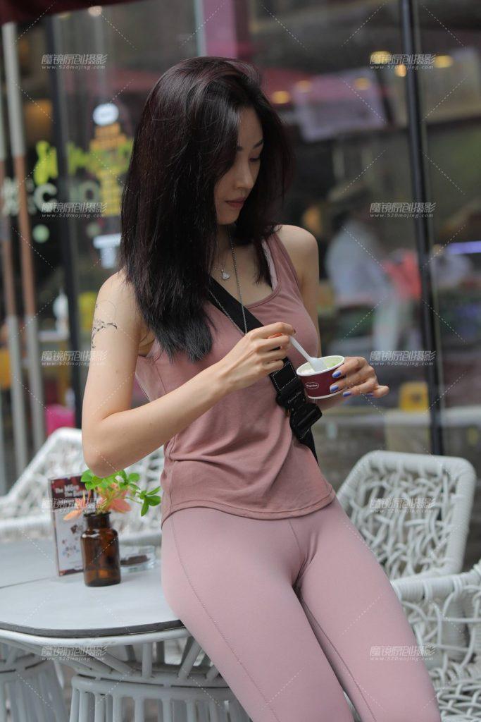 中国女子に流行ってるファッション、おマンコ見せすぎwwwwwwwww(画像あり)・1枚目