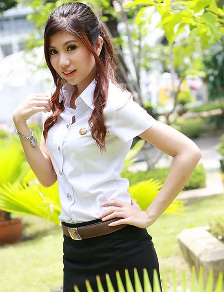 【画像あり】タイの女子学生の制服がエロい画像まとめ。これ男じゃないよね??・13枚目