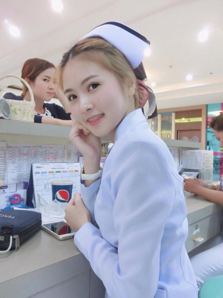 【画像あり】タイで入院したワイ、ナースがエロすぎで勃起が止まらない・・・・14枚目