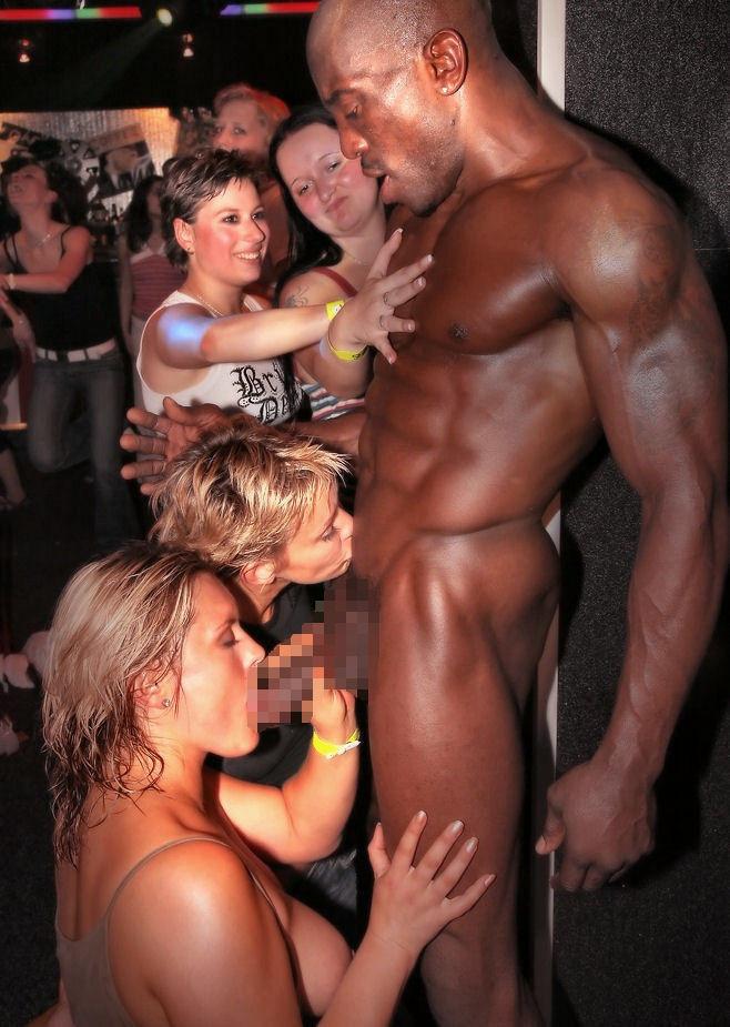 【エロ画像】夜遊び女子がクラブに行ったらこうなる…これは引くわ。。・14枚目
