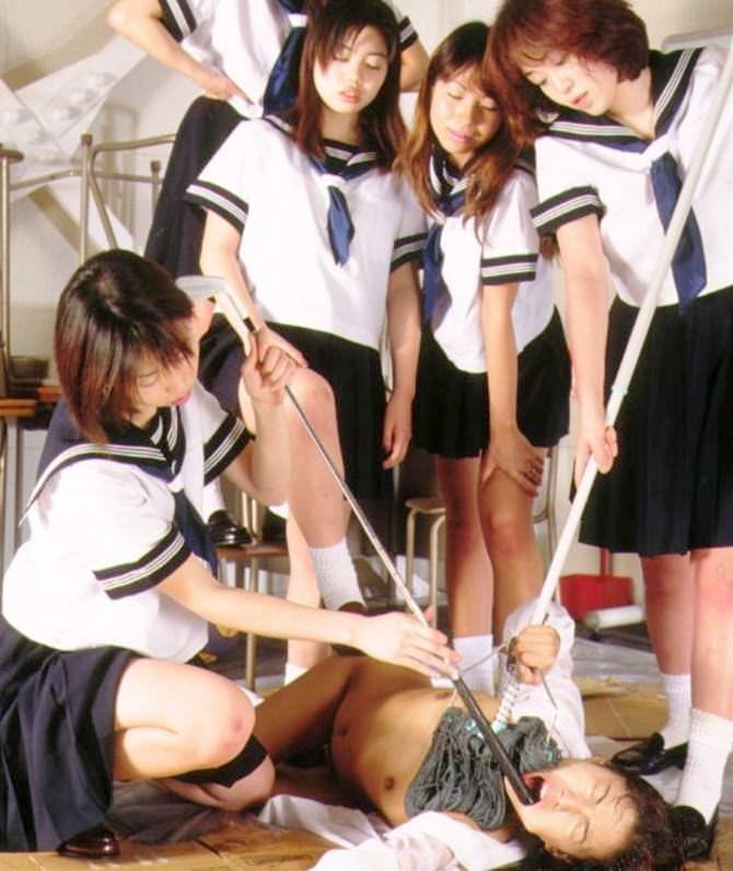 【アカン…】修学旅行で女の「イジメ」が撮影され問題に・・・クズすぎてワロタwwwwww(画像あり)・17枚目