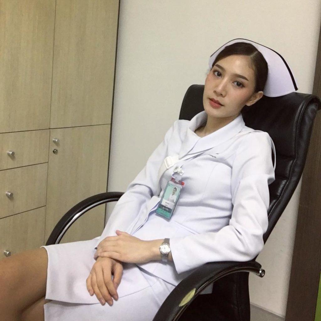 【画像あり】タイで入院したワイ、ナースがエロすぎで勃起が止まらない・・・・18枚目