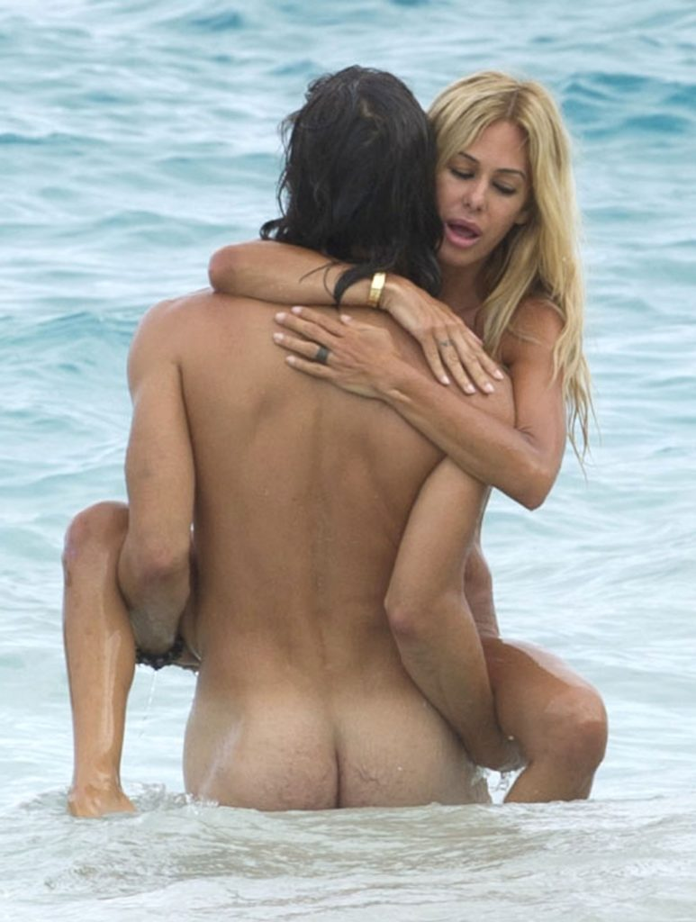 ヌーディストビーチでSEXしてる光景で一発抜ける奴ちょっと来い(画像36枚)・2枚目