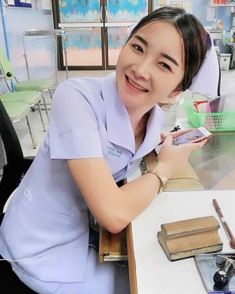 【画像あり】タイで入院したワイ、ナースがエロすぎで勃起が止まらない・・・・26枚目