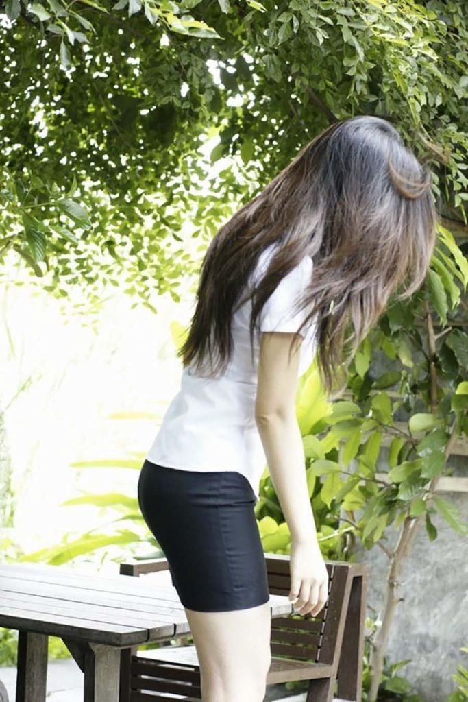 【画像あり】タイの女子学生の制服がエロい画像まとめ。これ男じゃないよね??・26枚目