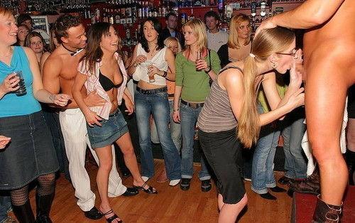 【エロ画像】夜遊び女子がクラブに行ったらこうなる…これは引くわ。。・29枚目