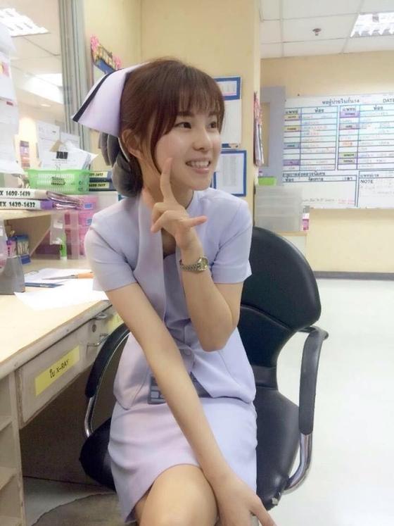 【画像あり】タイで入院したワイ、ナースがエロすぎで勃起が止まらない・・・・30枚目