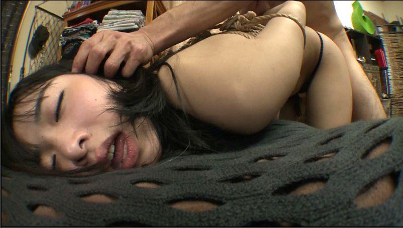 """【鬼畜】""""髪の毛""""を鷲掴みにされてレイプされる女さんの表情をご覧ください・・・(画像あり)・29枚目"""