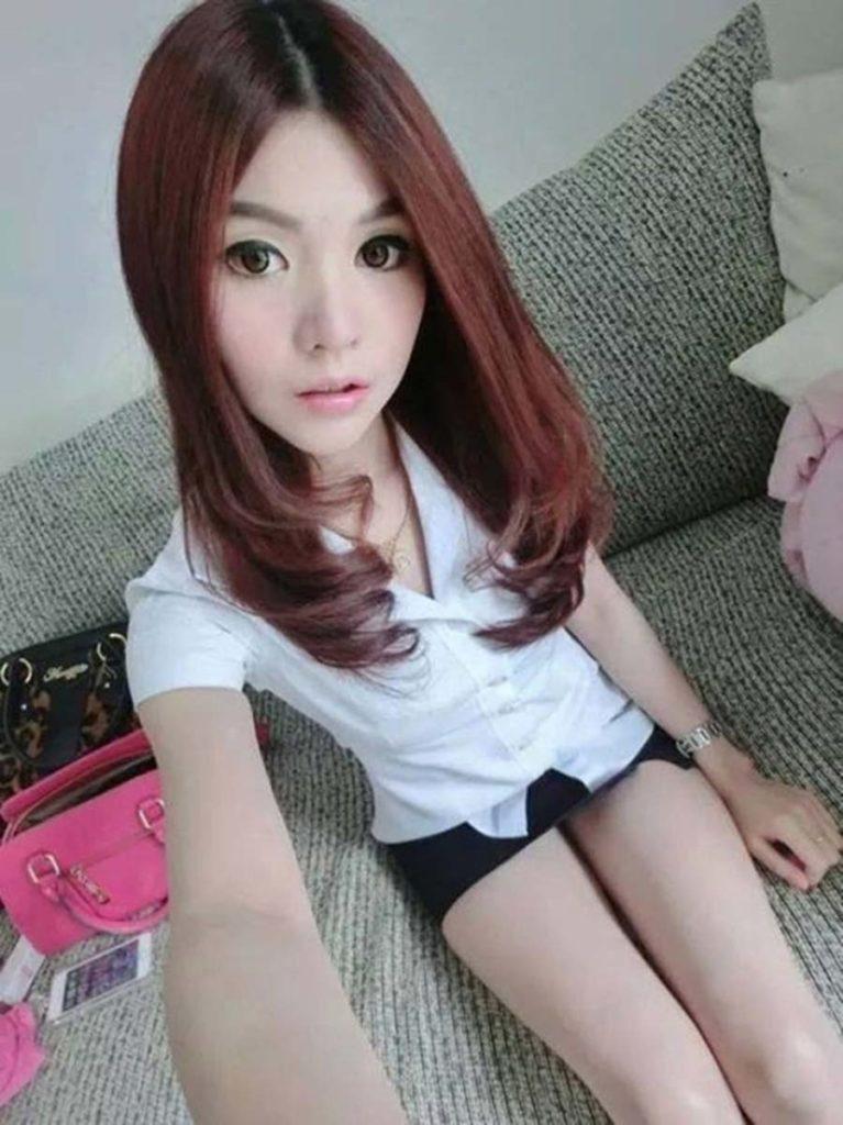 【画像あり】タイの女子学生の制服がエロい画像まとめ。これ男じゃないよね??・32枚目